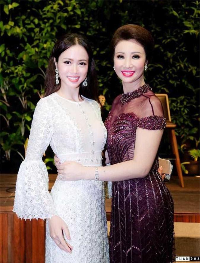 Dan my nhan Giang My, Vu Thuy Nga, Vu Ngoc Anh khoe nhan sac long lay hinh anh 4