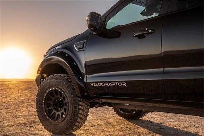 Ford Ranger do cong suat 360 ma luc, gia cao gap 2,7 lan Toyota Camry hinh anh 4