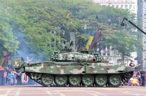 Xe tăng chủ lực hiện đại nhất của Malaysia – PT-91M do Ba Lan sản xuất. Ảnh: Dambiev