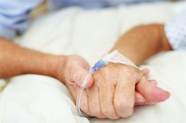 6.Chảy máu cam liên tục trong nhiều ngày là dấu hiệu cảnh báo giảm số lượng tiểu cầu của ung thư máu.
