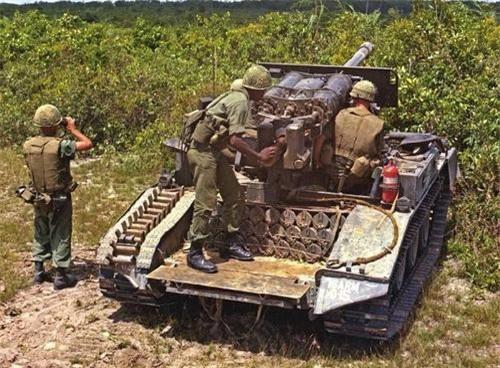 Pháo chống tăng tự hành đổ bộ đường không M56 Scorpion trên chiến trường Việt Nam. Ảnh: War History Online.