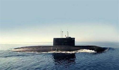 Tàu ngầm diesel-điện Kilo 877EKM của Hải quân Nga. Ảnh: TASS.
