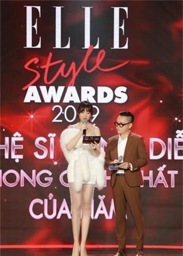 """Hari Won """"om ap"""" trai la sau on ao doc Chau Bui thanh tu nhay cam-Hinh-14"""