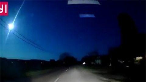 Bí ẩn 'quả cầu lửa xanh' ngoài hành tinh vụt sáng qua bầu trời Mỹ