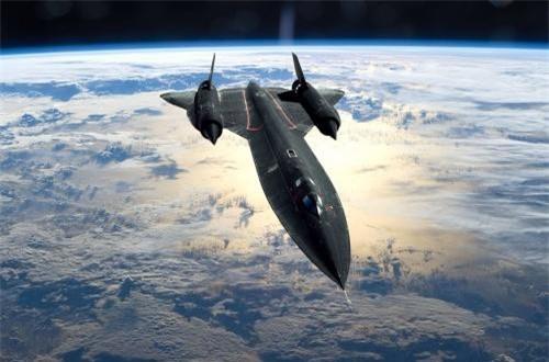 Máy bay có chiều dài tới 32,74m, nhưng sải cánh lại ngắn chỉ 16,94m, cao 5,64m, trọng lượng rỗng 30 tấn, trọng lượng cất cánh tối đa 78 tấn. Ảnh: Wikipedia