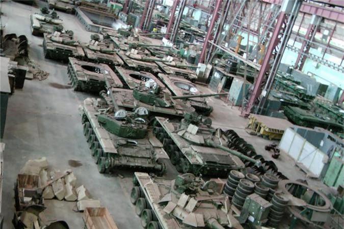 Tu san xuat duoc xe tang M1A1 Abrams, Ai Cap bo qua T-90 Nga?-Hinh-4