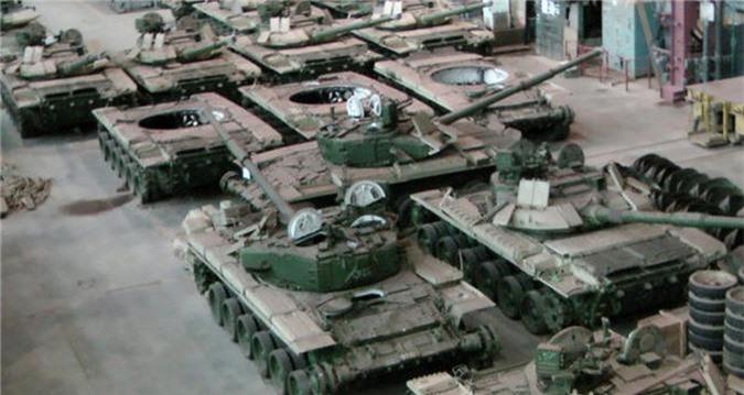 Tu san xuat duoc xe tang M1A1 Abrams, Ai Cap bo qua T-90 Nga?-Hinh-6