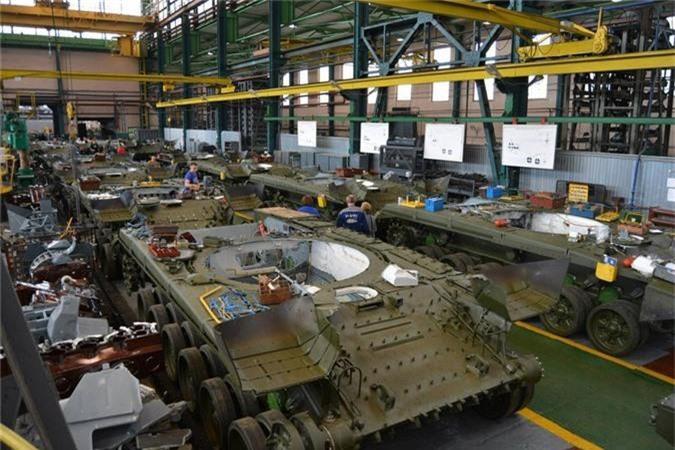 Tu san xuat duoc xe tang M1A1 Abrams, Ai Cap bo qua T-90 Nga?-Hinh-7