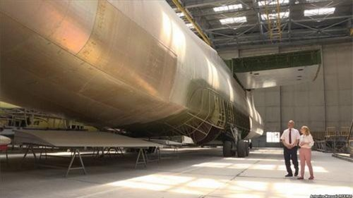 Khung thân dở dang của chiếc An-225 Mriya mà Ukraine đang lưu giữ. Ảnh: TASS.