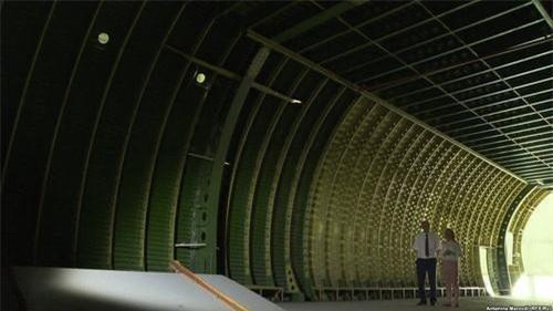 Khoang chứa hàng khổng lồ của vận tải cơ An-225 Mriya. Ảnh: TASS.