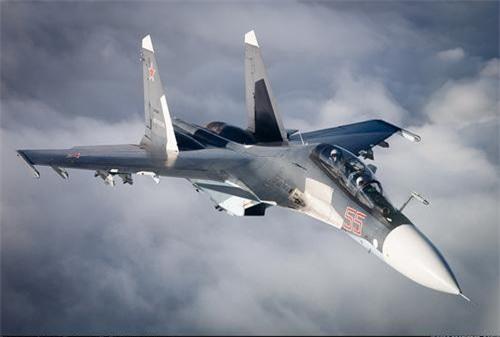Tiêm kích Su-30SM của Nga với ống pitot ở chóp mũi. Ảnh: Airlines.net