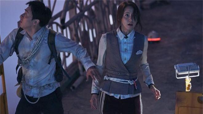 4 idol chao đảo màn ảnh Hàn nửa cuối 2019: Nhìn thành công của Hotel Del Luna ai dám bảo thần tượng flop? - Ảnh 3.