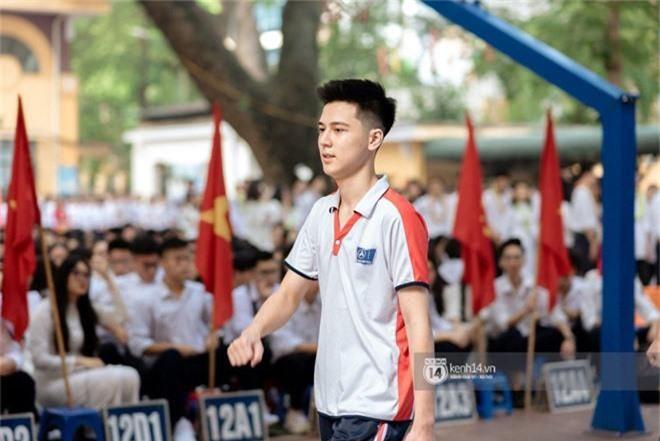 Hotboy cầm cờ đình đám một thời của trường Phan Đình Phùng nhan sắc thay đổi chóng mặt, gương mặt bây giờ phúng phính cực đáng yêu - Ảnh 3.