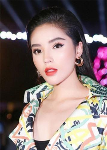 Phuong Thanh va loat con giap thu 13: Hanh xu the nao khi bi nem da?-Hinh-12