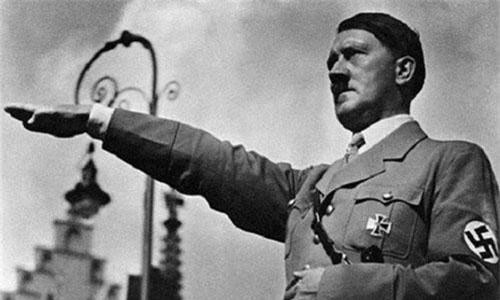 Trong Chiến tranh thế giới 2, trùm phát xít Hitler đã gây ra hàng loạt tội ác rùng rợn như gây ra những cuộc tàn sát đẫm máu khiến hàng triệu người chết.