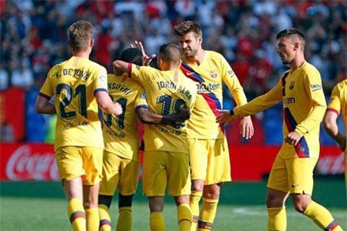 2. Barcelona (tổng số tiền mua sắm: 255 triệu euro).