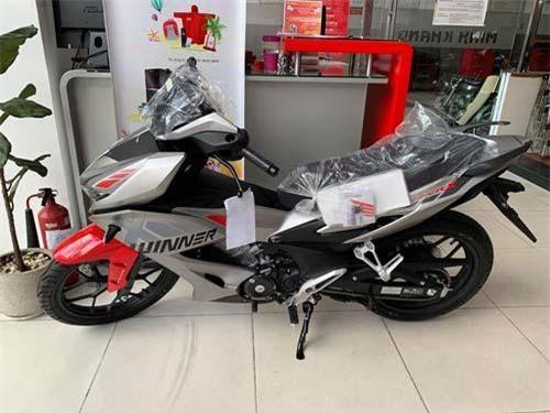 Giá Honda Winner X giảm mạnh.