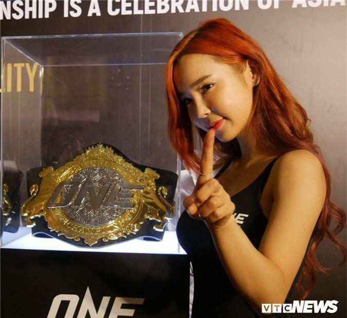 Anh: Ve dep van nguoi me cua cac thien than san vo ONE Championship hinh anh 2