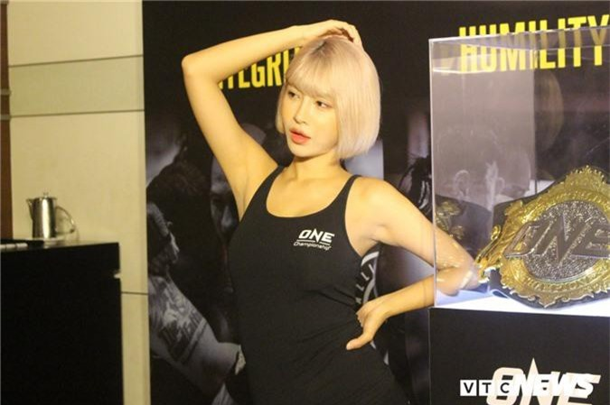Anh: Ve dep van nguoi me cua cac thien than san vo ONE Championship hinh anh 3
