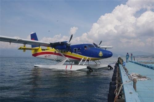 Trong nhiệm vụ bay trinh sát, tuần tra, Không quân Hải quân Việt Nam sẽ được trang bị 6 chiếc thủy phi cơ DHC-6 Series 400 Twin Otter do công ty Viking Canada sản xuất. Số máy bay này được ta ký hợp đồng mua năm 2010. Ảnh: Báo Hải quân