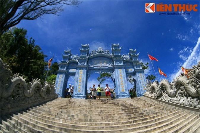 Ve dep me hon cua chua Linh Ung tren dinh Ba Na-Hinh-2