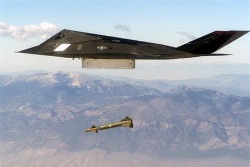 Máy báy chiến đấu tàng hình F-117A Night Hawk của Mỹ. Ảnh: National Interest.