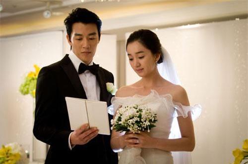 Ngày cưới trông em thật tuyệt vời trong chiếc váy cô dâu. Nhìn thông gia hai nhà nắm tay nhau cười hạnh phúc, tôi thầm cảm ơn cuộc đời đã cho niềm hạnh phúc lớn lao đến vậy.(Ảnh minh hoạ)