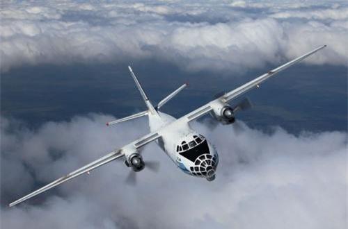 Thứ 9, máy bay An-30 chuyên thực hiện nhiệm vụ đo đạc và chụp ảnh trên không. Có một An-30 đã bị bắn hạ bằng tên lửa phòng không vác vai khi hoạt động tại Afghanistan. Ảnh: Wikipedia