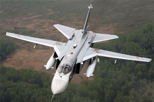 Thứ 10 là máy bay Su-24 – loại tiêm kích – bom hiện đại mà Liên Xô triển khai ở Afghanistan. Chỉ có một chiếc gặp nạn sau khi làm nhiệm vụ chiến đấu tại Afghansitan và dang trên đường trở về căn cứ tại Uzbekistan. Ảnh: Wikipedia