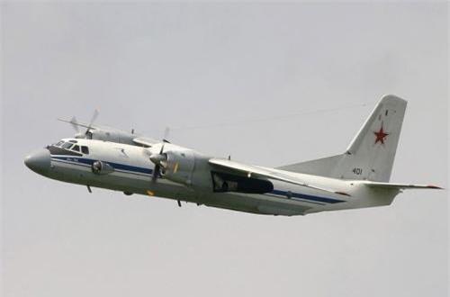 Thứ 6, máy bay vận tải quân sự và dân sự hạng nhẹ 2 động cơ An-26, có khả năng chở theo 40 người hoặc 5.500kg hàng hóa. Máy bay này có trần bay khá thấp khoảng 7.500m nên rất dễ bị bắn hạ bởi hỏa lực mặt đất, 6 chiếc An-26 đã bị rơi trong cuộc chiến này. Ảnh: Wikipedia