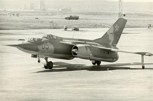 Thứ 8, máy bay trinh sát và chiến tranh điện tử Yak-28, được sử dụng ở Afghanistan cho vai trò trinh sát. Chúng xuất hiện một cách không chính thức ở Afghanistan với nhiệm vụ bí mật, ít nhất 2 chiếc bị rơi ở đây mà không rõ lý do. Ảnh: Wikipedia