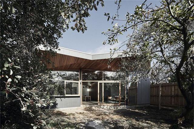 Cải tạo ngôi nhà nhỏ đổ nát trở thành không gian sống ấm cúng và hiện đại - Ảnh 11.