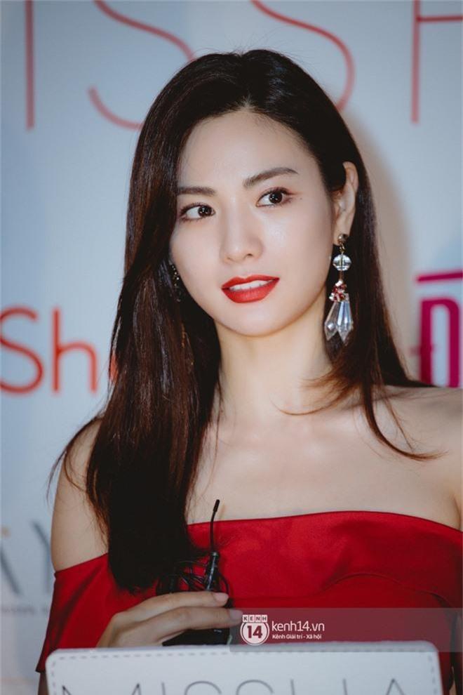 Mỹ nhân đẹp nhất thế giới Nana gây sốt khi dự sự kiện ở Việt Nam: Nhan sắc, body ngoài đời có đỉnh cao như lời đồn? - Ảnh 7.