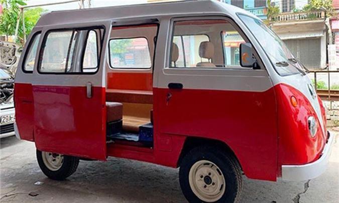 Nam sinh cap 3 lap rap oto dien dang Volkswagen o Nam Dinh-Hinh-3