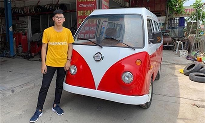 Nam sinh cap 3 lap rap oto dien dang Volkswagen o Nam Dinh-Hinh-4