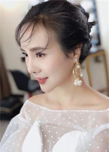 Soi cuoc song cua Can Lo Lo sau khi bi duoi khoi showbiz-Hinh-7