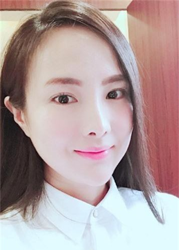 Soi cuoc song cua Can Lo Lo sau khi bi duoi khoi showbiz-Hinh-8