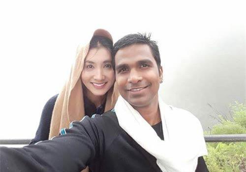 Nguyệt Ánh là một trong những sao nữ may mắn với cuộc hôn nhân viên mãn. Sau 2 năm kết hôn với chồng người Ấn Độ tên Kilaparthy Eswar Rao - ông chủ của một trung tâm có tiếng ở TP HCM, Nguyệt Ánh khiến nhiều người ngưỡng mộ về cuộc sống hiện tại. Chồng Tây của cô được nhận xét là người rất tâm lý, đảm đang, yêu chiều vợ.