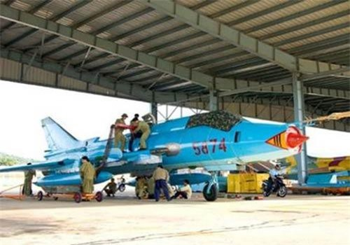 Cường kích Su-22M Việt Nam.