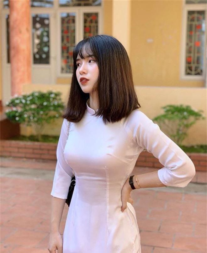 Nữ sinh trường người ta: Đã xinh là phải xinh có đôi, đi khai giảng make up nhẹ như sương nhưng thần thái xuất thần vẫn gây bão rần rần mạng xã hội - Ảnh 7.
