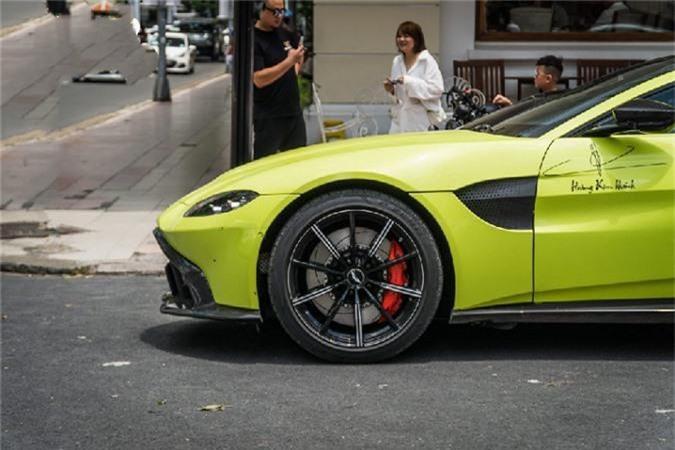 Sieu xe Aston Martin Vantage 15 ty lan banh o SG-Hinh-3