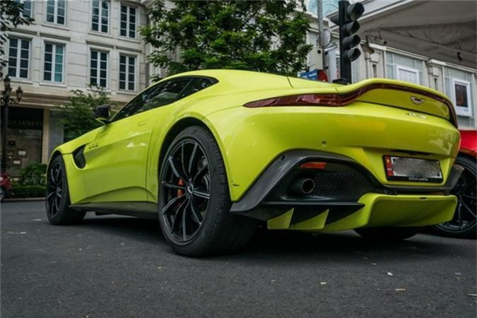 Sieu xe Aston Martin Vantage 15 ty lan banh o SG-Hinh-4