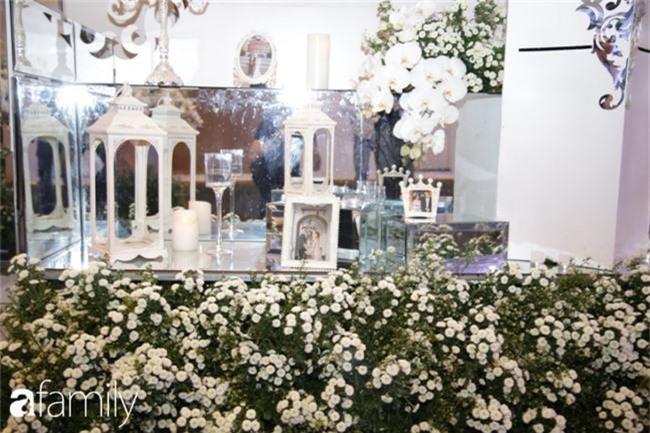 Tiết lộ kinh phí tổ chức tiệc cưới con gái Minh Nhựa đã lên tới 20 tỷ đồng, riêng tiền hoa trang trí đã là 700 triệu!-4