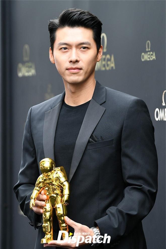 Anh chú Hyun Bin trở lại bảnh bao gấp bội, đến mức khiến fan cảm thán: Bảo sao Song Hye Kyo một thời say mê - Ảnh 5.
