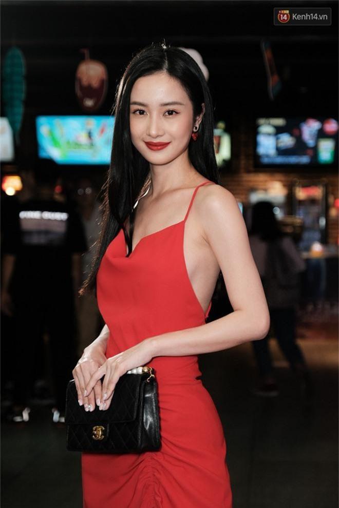 Jun Vũ khoe vẻ nóng bỏng trên thảm đỏ Thách Yêu 2 Năm, mỹ nhân Thái lép về với đầm da beo không thể địch lại! - Ảnh 5.