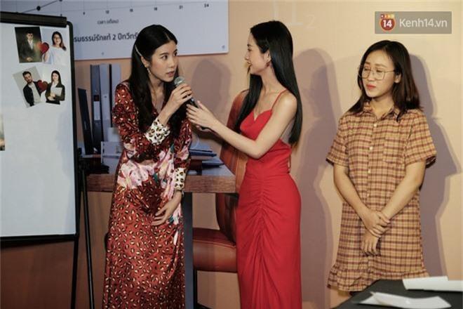 Jun Vũ khoe vẻ nóng bỏng trên thảm đỏ Thách Yêu 2 Năm, mỹ nhân Thái lép về với đầm da beo không thể địch lại! - Ảnh 8.