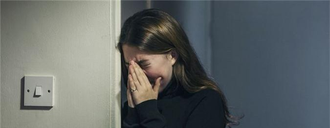 teen-girl-crying-GettyImages-523711820-57ffa8373df78cbc284e1cef