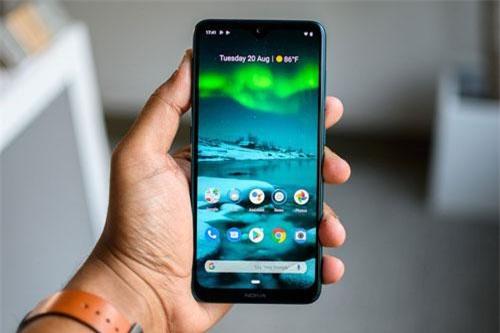 Tấm nền màn hình được sử dụng trên Nokia 7.2 là IPS kích thước 6,3 inch, độ phân giải Full HD Plus (2.280x1.080 pixel), mật độ điểm ảnh 400 ppi. Màn hình này được chia theo tỷ lệ 19:9, tích hợp công nghệ HDR10, tính năng Always-on.