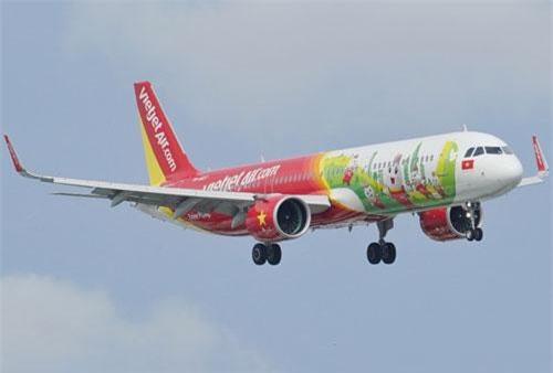 Vietjet thực hiện 68.821 chuyến bay, phục vụ chuyên chở cho 13,5 triệu lượt khách hàng trên toàn mạng bay trong 6 tháng đầu năm.