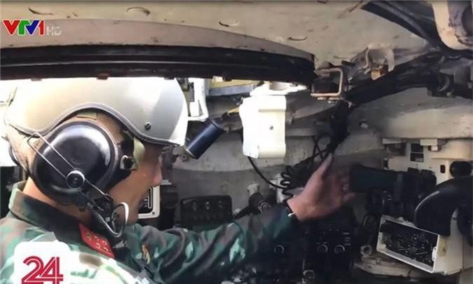 Chi tiet he thong ngam moi tren xe tang T-54M Viet Nam nang cap-Hinh-4
